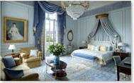 Une chambre de l'hôtel Shangri-La (Paris) – mobilier Taillardat