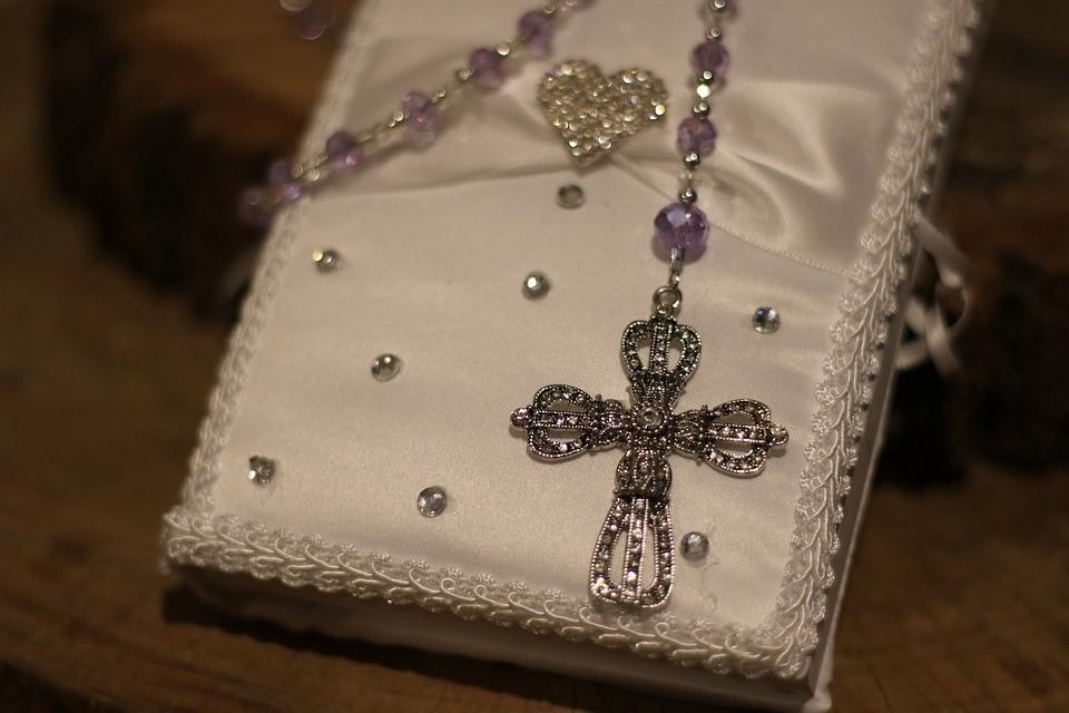 Bijoux chrétiens pour enfant : quel choix selon l'occasion ?